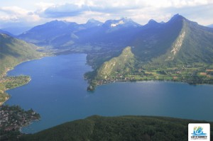small_091022041005annecy_le_petit_lac